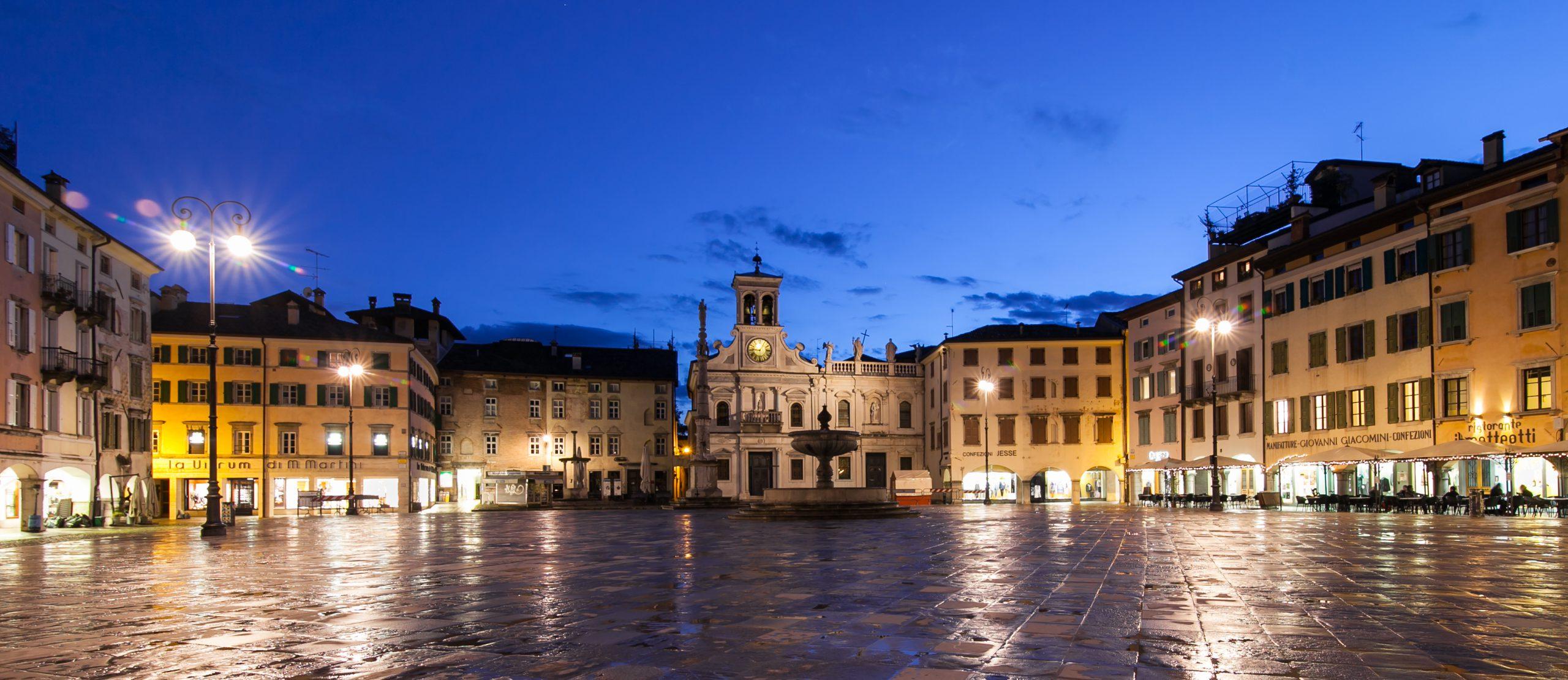 Prozkoumejte Udine na kole a obdivujte důležité budovy z období pozdní gotiky a renesance