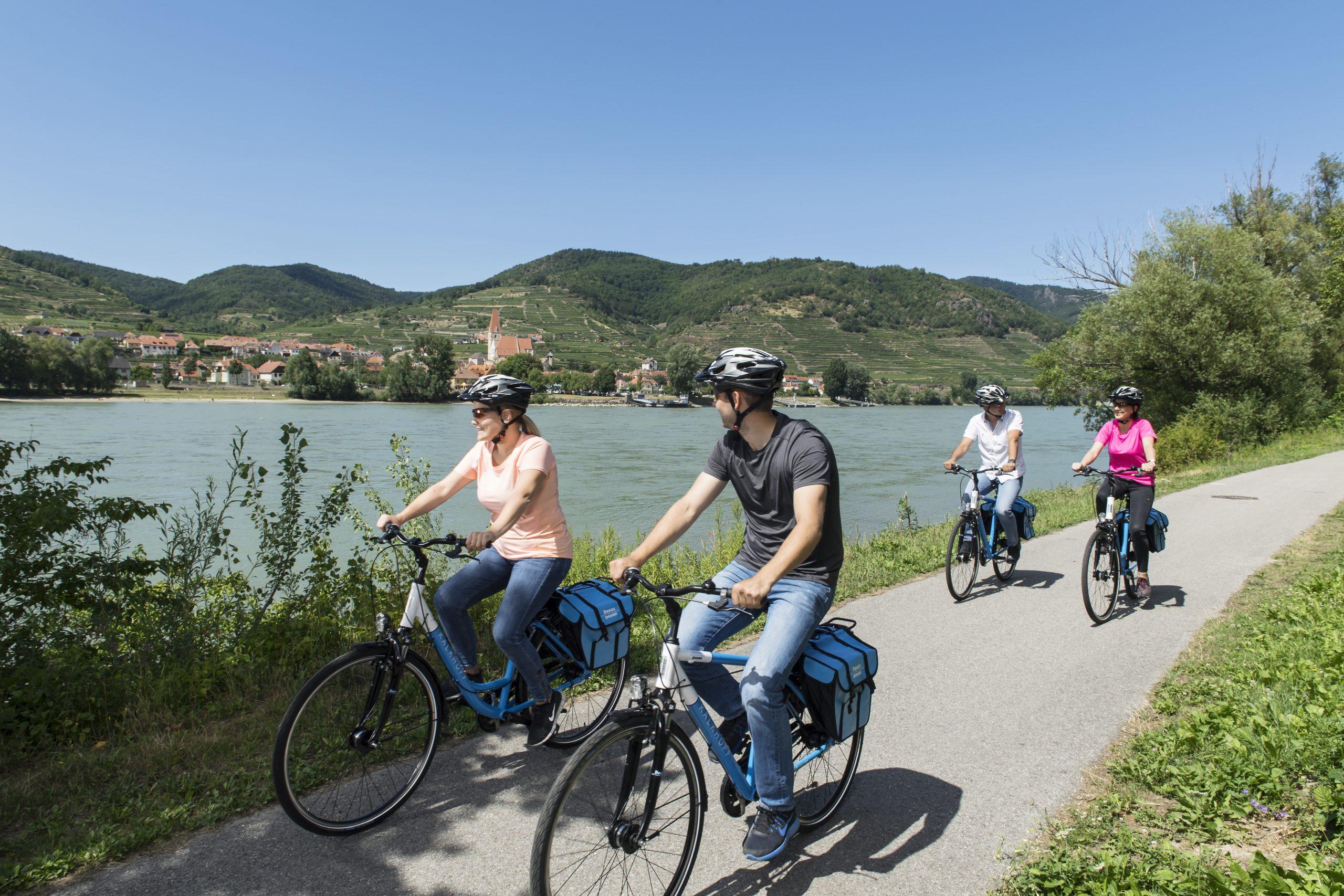 Radfahren entlang der Donau in Passau