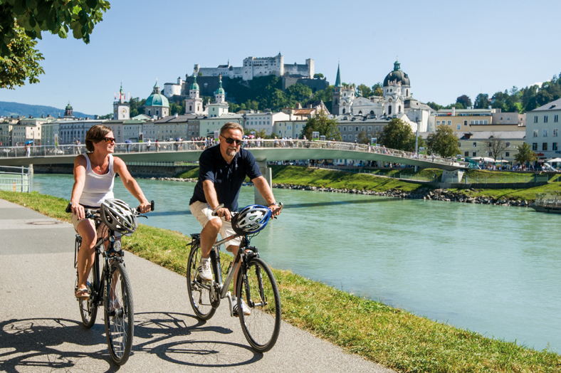 Cycling along the Salzach starting from the Mozart city of Salzburg