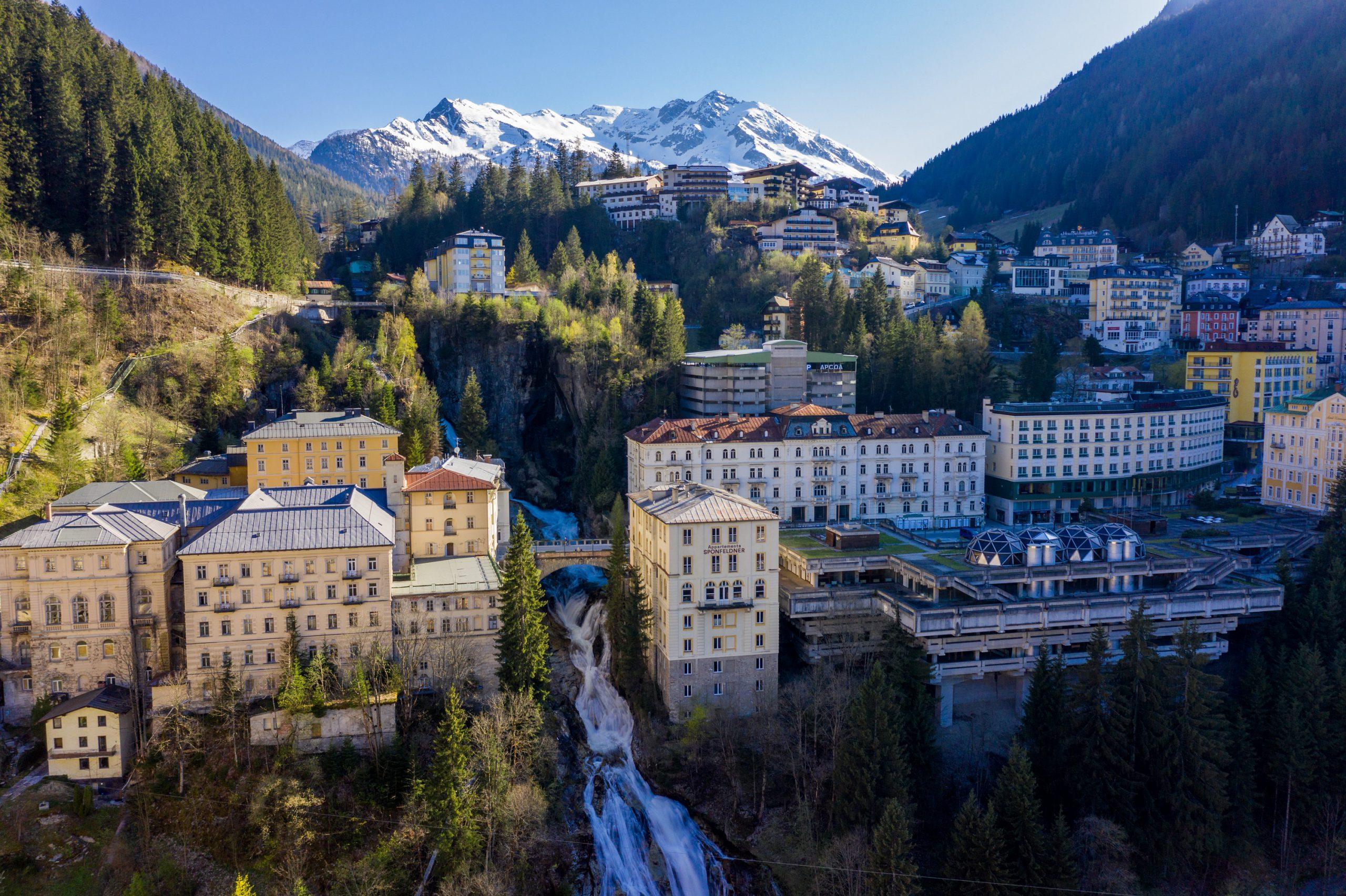 Der Gasteiner Wasserfall gehört zu den bekanntesten Wasserfällen Österreichs und ist das Wahrzeichen von Bad Gastein