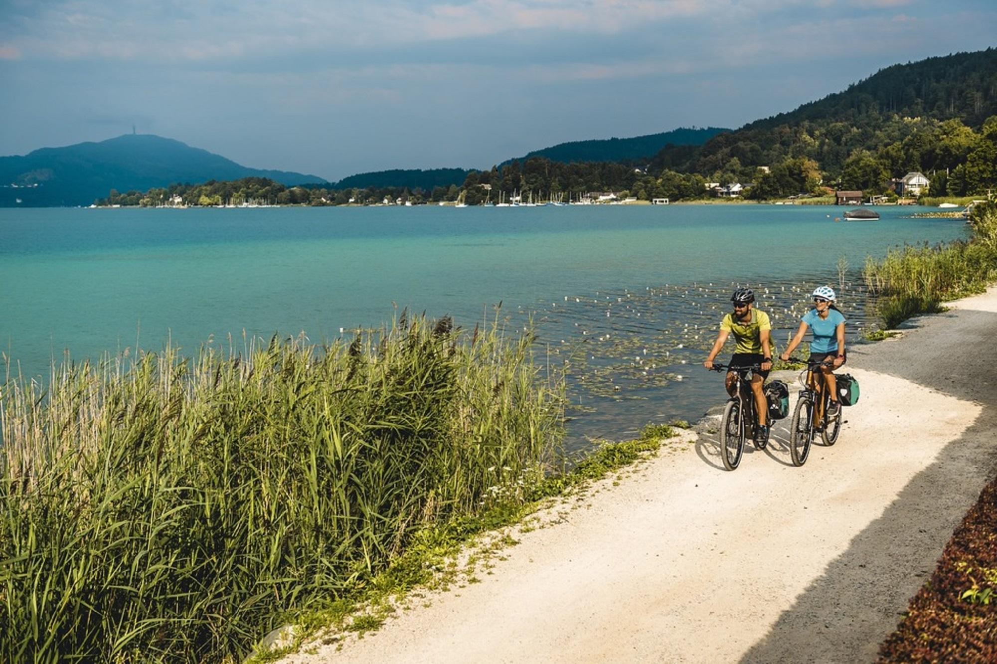 Explorez de fantastiques circuits à vélo en Carinthie - Lac de Wörthersee à vélo