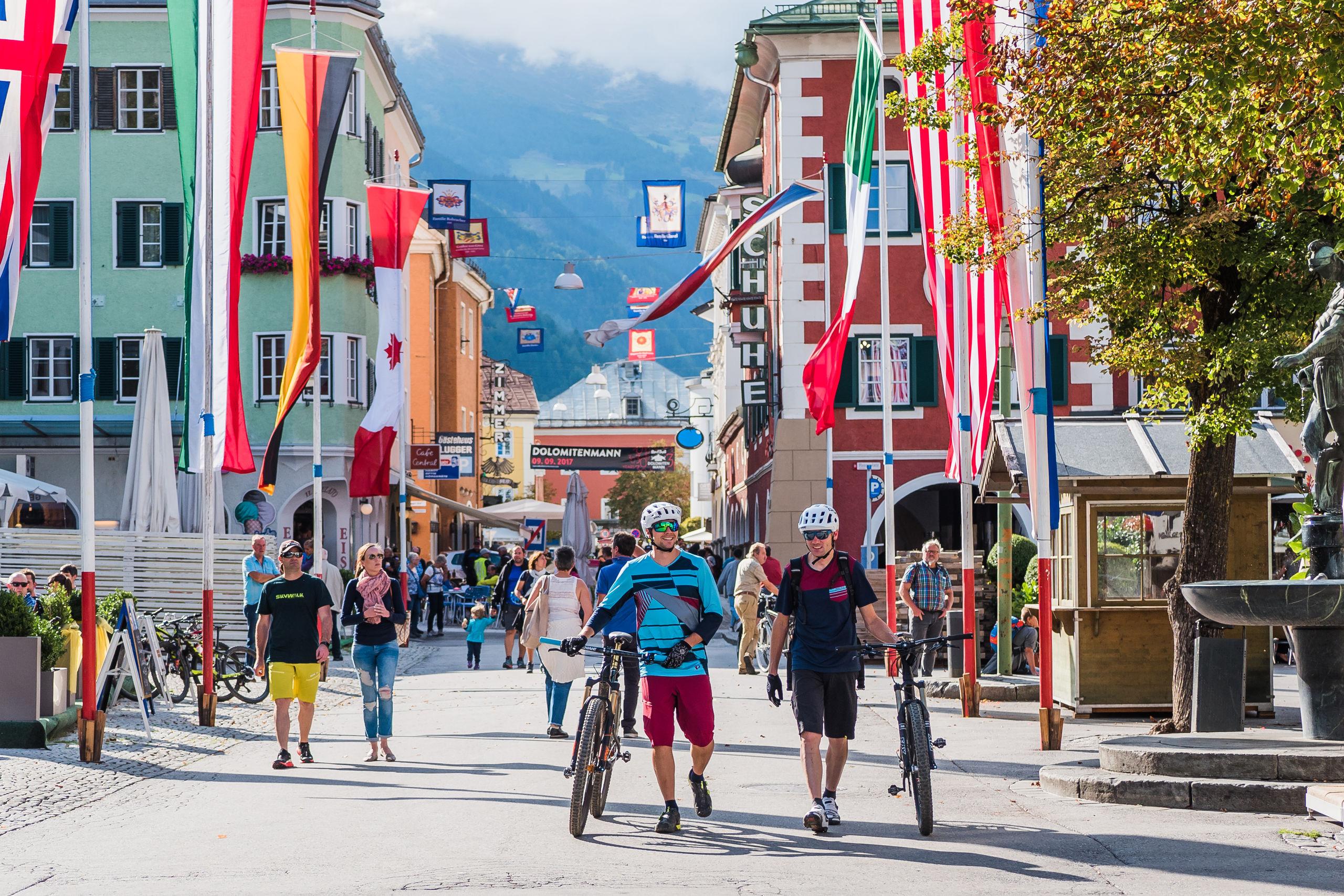 slunné město Lienz - ideální prázdninová destinace pro cyklisty