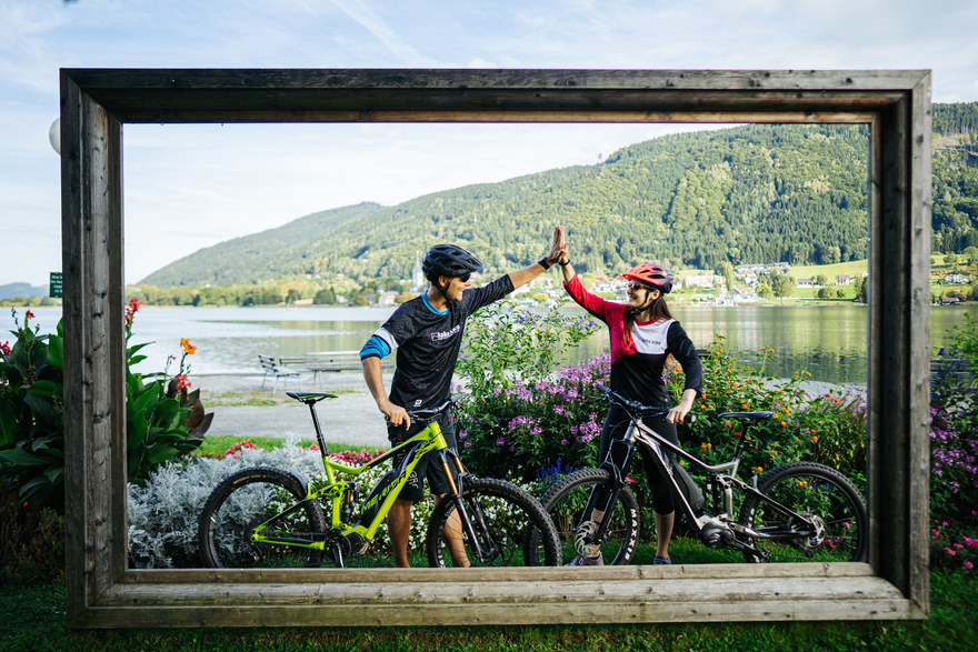 unique experiences on a cycling holiday - the deep green Ossiacher See can be wonderfully circumnavigated by bike