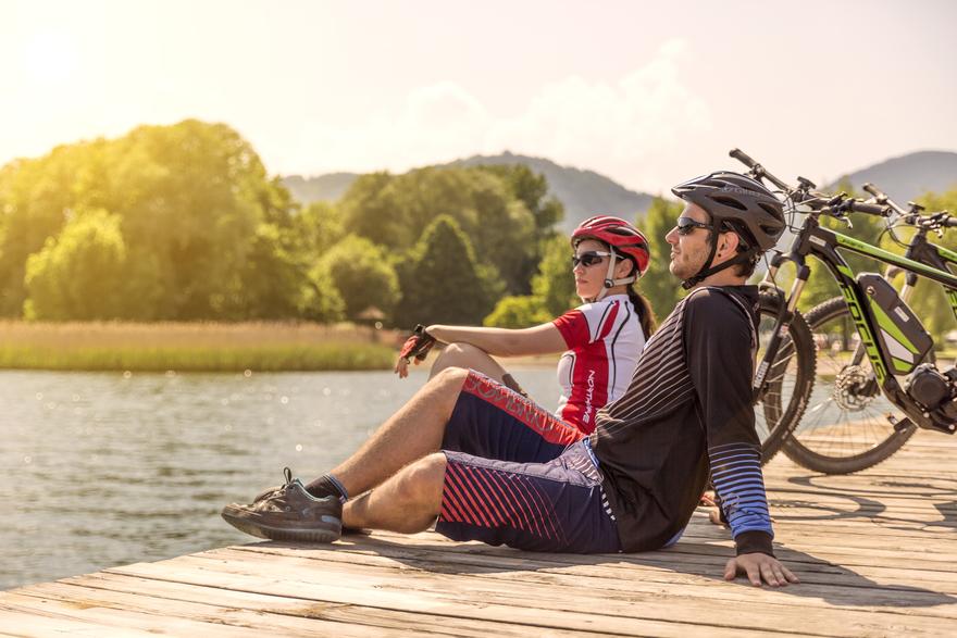 Radfahren und Baden kombinieren - ein Spaß für Groß und Klein