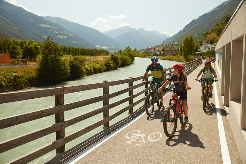 Radfahren am Etschradweg - ein Spaß für die ganze Familie