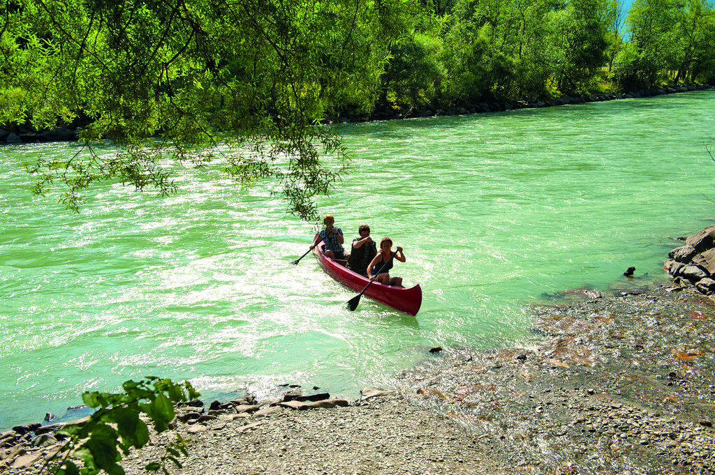 Experience adventure on the river - by canoe along the Drau