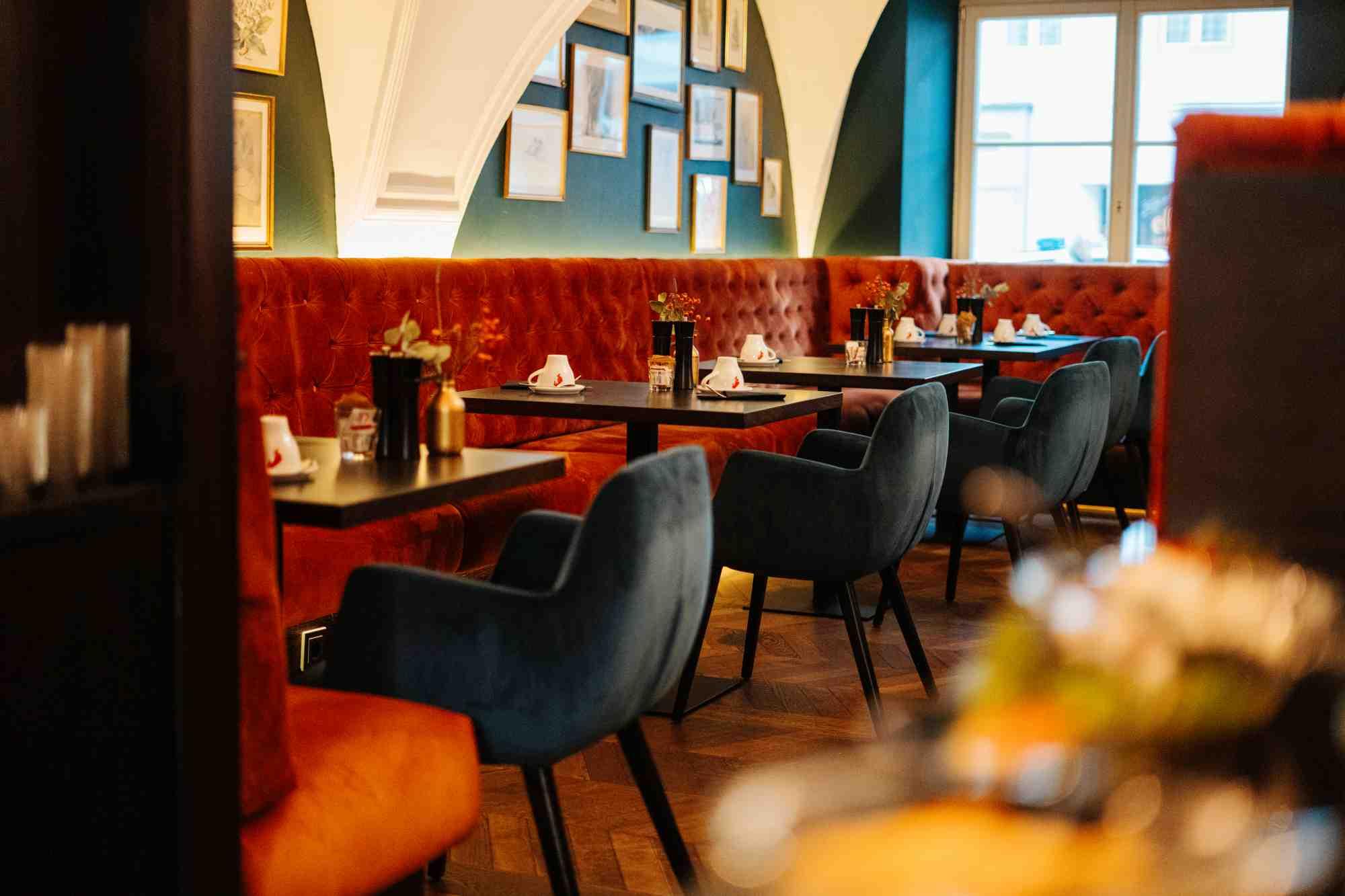 restaurant charles am morgen im hotel palais26 villach