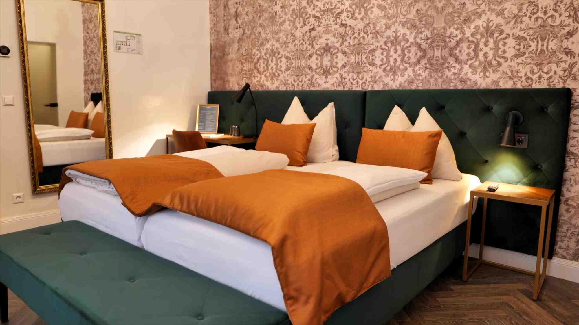 superior doppelzimmer am abend hotel palais26 villach